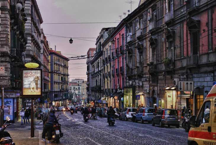 baa524392cf4 Dove fare shopping a Napoli. I migliori negozi di abbigliamento e i ...
