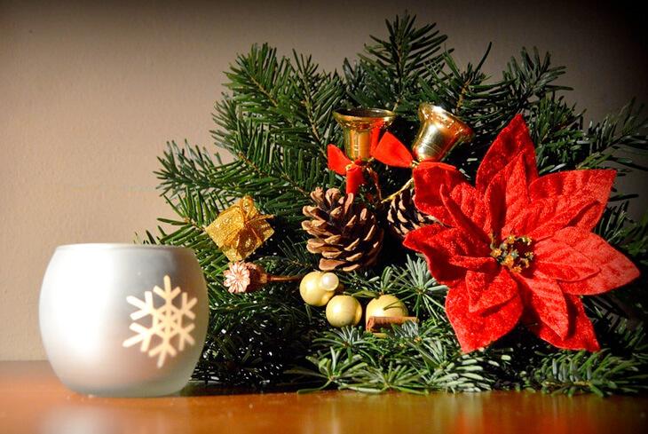 Regali Di Natale Da Spendere Poco.Come Addobbare L Albero Di Natale Spendendo Poco The Shopping Corner