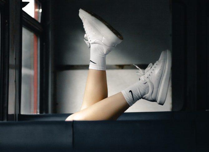 Nike vs Adidas. Chi vince in rete?